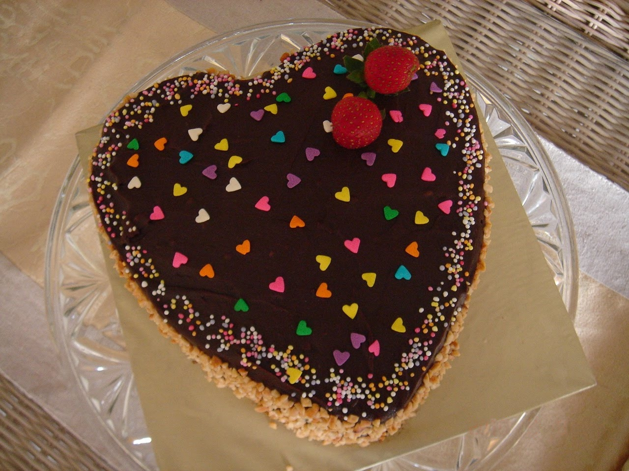 Heart Chocolate Cake Images : Heart Shaped Chocolate Cake Chocolate Cake Gifts
